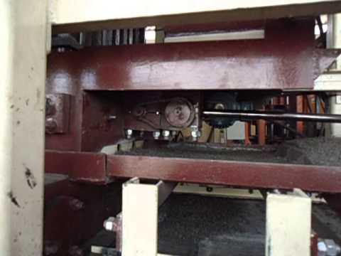 Maquina hidráulica automática para bloco e piso de concreto