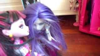 Serie Monster High. Capitulo 1. Temporada 1. Dirigida Y