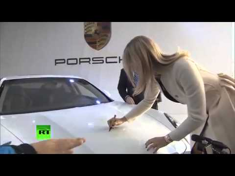 Maria Sharapova has unveiled a new Porsche in Sochi 2014!