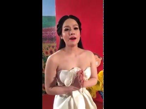 Nhật Kim Anh sexy chào năm mới