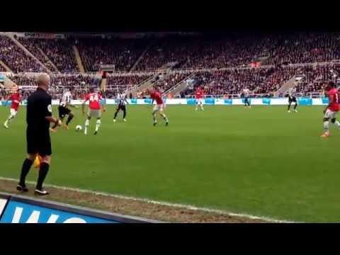 Newcastle United v Manchester United 5/4/14 Santon Ben Arfa.