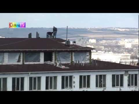 Muncesc pe acoperiș fără asigurare