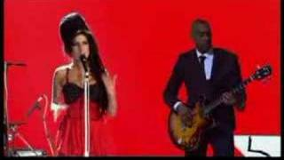 "Amy Winehouse ""Rehab (live)"""
