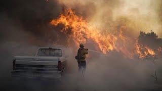 إجلاء 100 ألف شخص بسبب حرائق الغابات