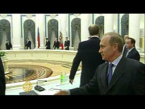 Russian court cuts Khodorkovsky's jail term