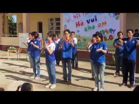 Dân vũ Doremon-Con nòng nọc TDM-UEH