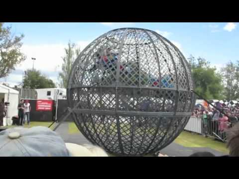 GLOBE OF DEATH  2014 Formula 1 Australian Grand Prix