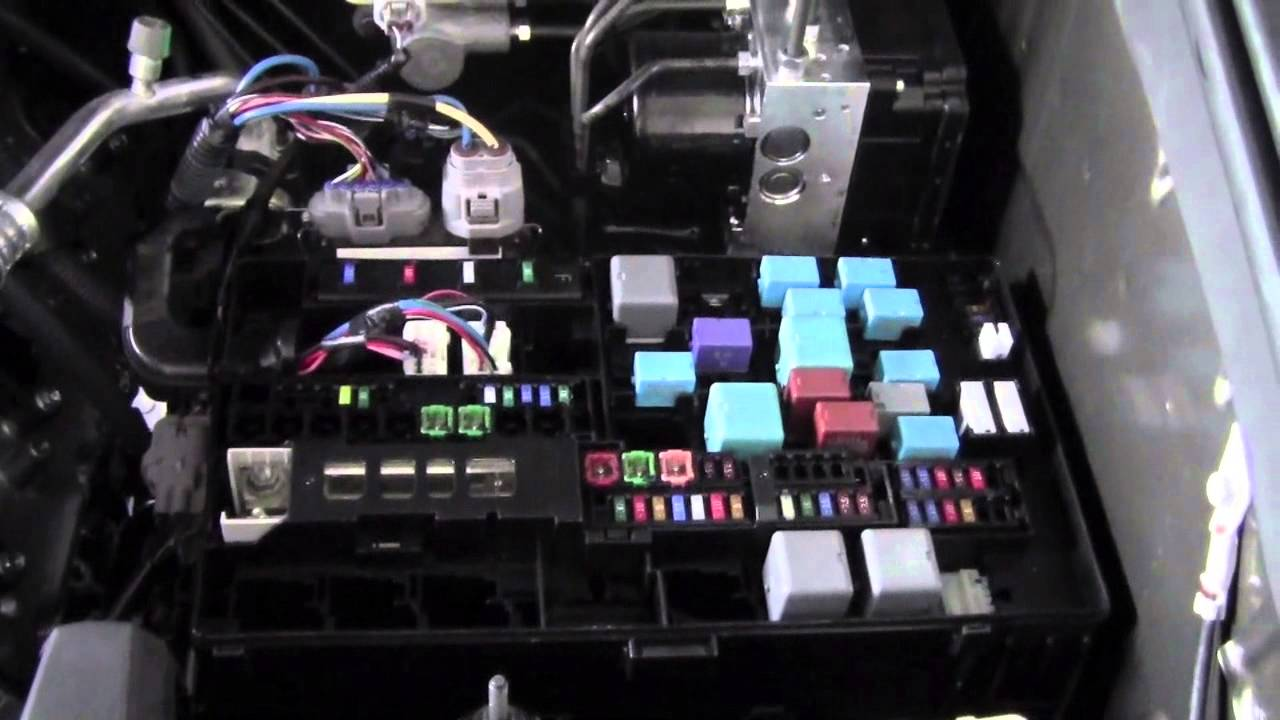 2012 Toyota Tundra Fuses and Relays How To By