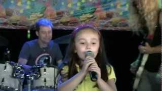 Adorable 5 Year Old Sings Katy Perry's Firework With