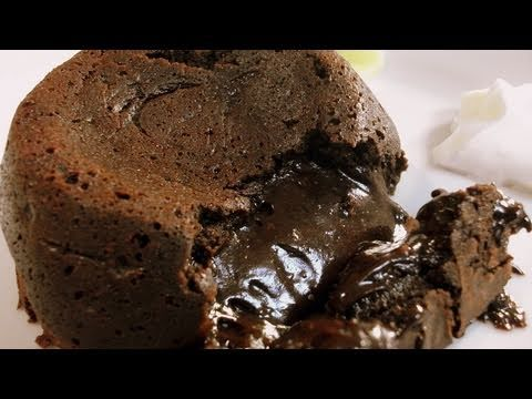 Chocolate Fondant - Eid Special, To view written recipe, click here: http://www.cookingwithalia.com/index.php?option=com_zoo&task=item&item_id=100&Itemid=110 To celebrate Eid, I am going to ...
