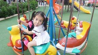 BÉ ĐI CHƠI CÔNG VIÊN 😘 Learn colors with finger family song ♥ Dâu Tây Channel