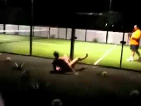 tennis court streaker FAIL looped