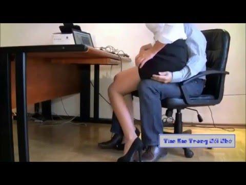 Sếp Sàm Sỡ Nhân Viên Tại Văn Phòng