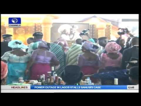 Metrofile: President Jonathan Gives Out Daughter's Hand In Traditional Marriage