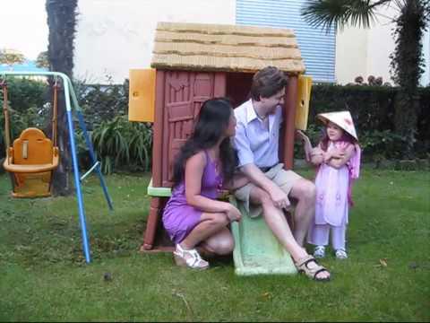 Gia đình nhỏ Camilla ThyThy tự đóng phim nè:-))
