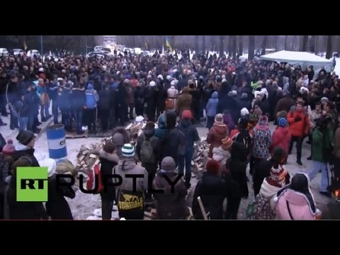 LIVE Ukraine: Ongoing clashes between protesters and riot police in Kiev