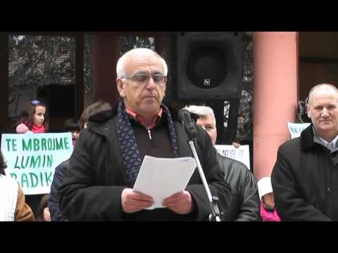 Banorët e Peshkopisë e Dibrës së Madhe në protestë