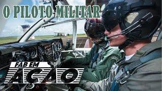 Como faz para ser piloto da Força Aérea Brasileira? Esta edição apresenta como é a carreira de piloto militar. A formação básica na Academia da Força Aérea (AFA), os cursos de especialização nas aviações de caça, transporte e helicóptero até o comando das aeronaves consideradas de primeira linha.