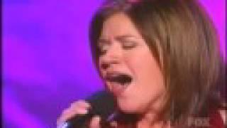 Kelly Clarkson MY GROWN UP CHRISTMAS LIST. +lyrics