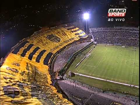 Peñarol x Independiente: Maior Bandeirão do Mundo