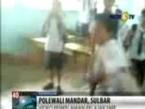 Video perkelahian SMPN 3 Polman beredar - YouTube