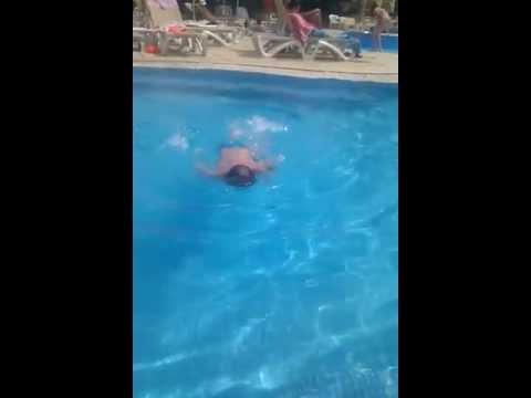 Тунис. Сусс. Артемка научился плавать - Тунис 2013