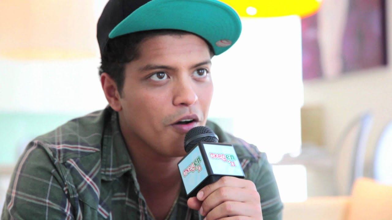 bruno mars interview oxegen 2011 youtube. Black Bedroom Furniture Sets. Home Design Ideas