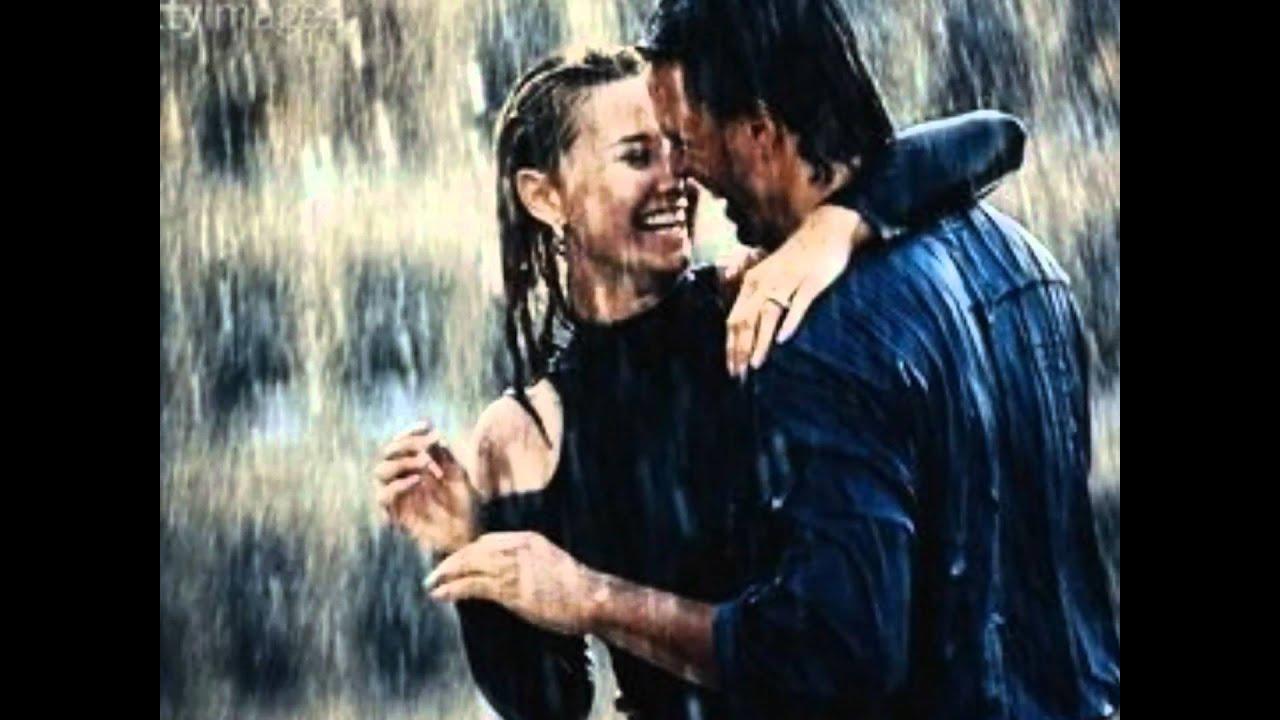 Секс на остановке в дождь 15 фотография