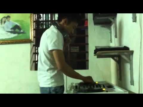Hình ảnh trong video DJ PôKaBaBy Live Mix In Studio 2013 Full