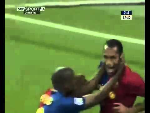 Bình luận viên phát cuồng với các cầu thủ Barcelona.