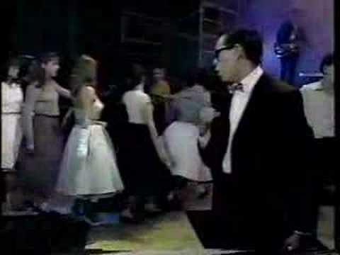 Baila Conmigo / De Cachetito / Andrea Legarreta y Rodrigo