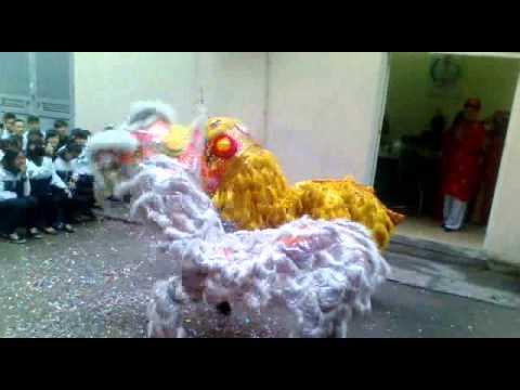 Lân Sư Rồng Hà Nội Tân Hưng Đường - THPT Đông Kinh 18-2-2013