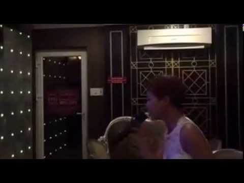 Uyên Linh hát Karaoke Tình Đời cực chất