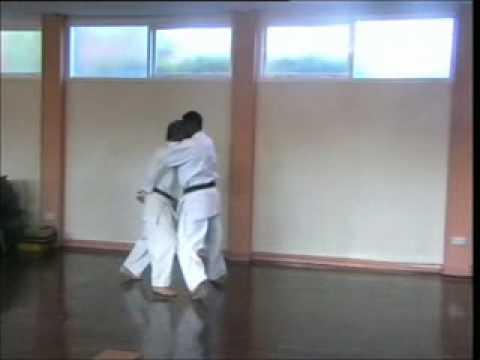 GOJU RYU KARATE -  AN EXERCISE CALLED TRACKING - SENSEI MAX BEDDOW INSTRUCTS
