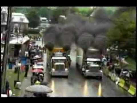 Semi Trucks Drag Racing, 18 Wheelers Gone Wild