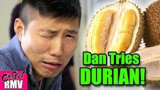 Ekspresi Mencoba Durian Pertama Kali