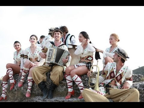 Trandafir   -   Suna-n toata Europa / Suona in tutta Europa (Official Video)