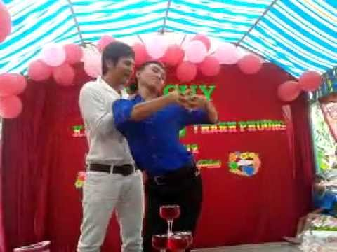 lam hung hat dam cuoj o hong ngu mp4