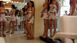 Hot Beautiful Vietnamese Girl in Viet Salon in saigon