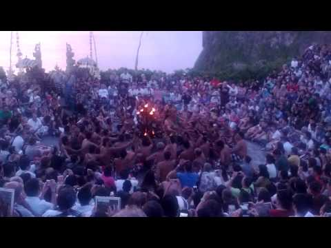 Amazing Kecak & Fire Dance in Uluwatu Temple, Bali