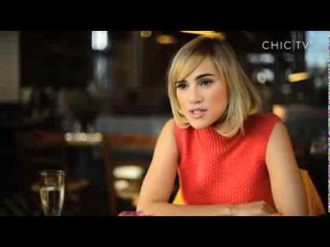 Suki Waterhouse visits Kildare Village