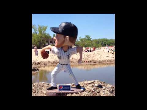Chris sale goes to the beach