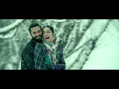 Have you seen Shahid Kapoor and Shraddha Kapoor kiss in Haider?