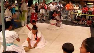 Bailes Típicos Escuela Pueblo Nuevo En Plaza Santa Rosa