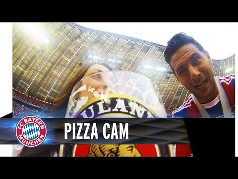 Claudio Pizarro and the exclusive Pizza-Cam