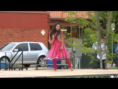Bollywood Indian Dancer