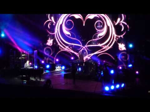 3 times a lady - lionel richie in singapore 14/4/14