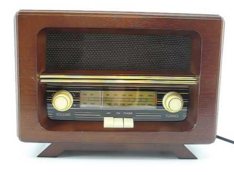 RADIO DE MADERA ANTIGUA