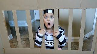 BOX FORT PRISON!   ESCAPE ROOM