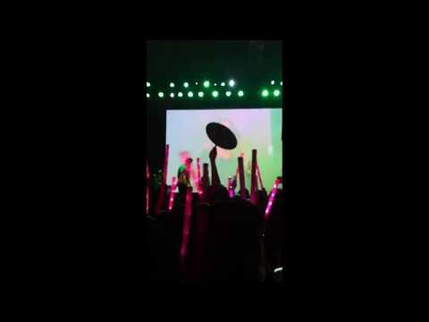 Showcase Heartbeat 22/4/2015 - Em phải làm sao (Remix) - Mỹ Tâm